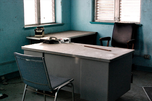 abandoned-office